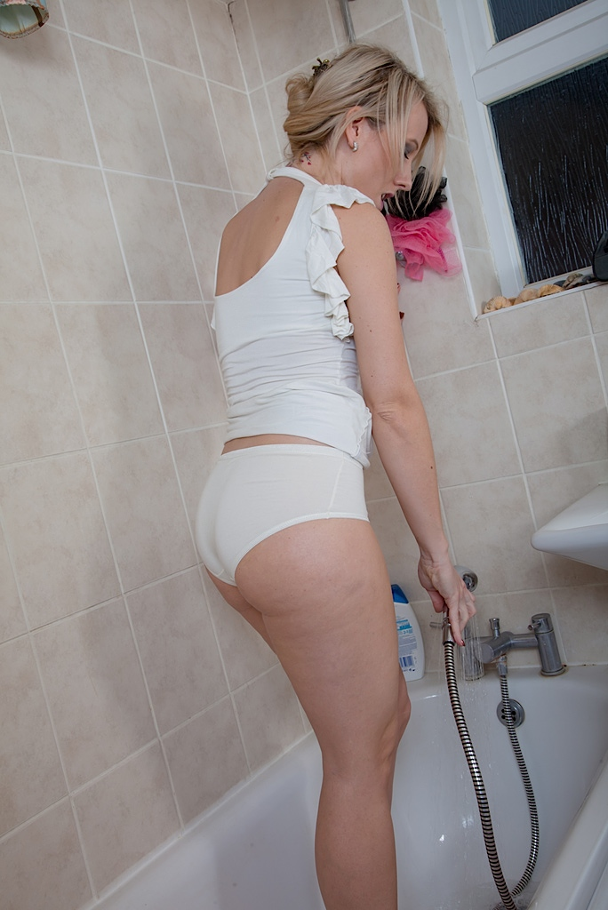 Shower timer with Evey Kristal and her fatty shoe is masturbation time porn photo #317662944 | Karups Older Women, Evey Kristal, Ass, Bath, Big Tits, Close Up, Masturbation, Nipples, Panties, Pussy, Shaved, Shower, Skirt, Spreading, Wet, mobile porn