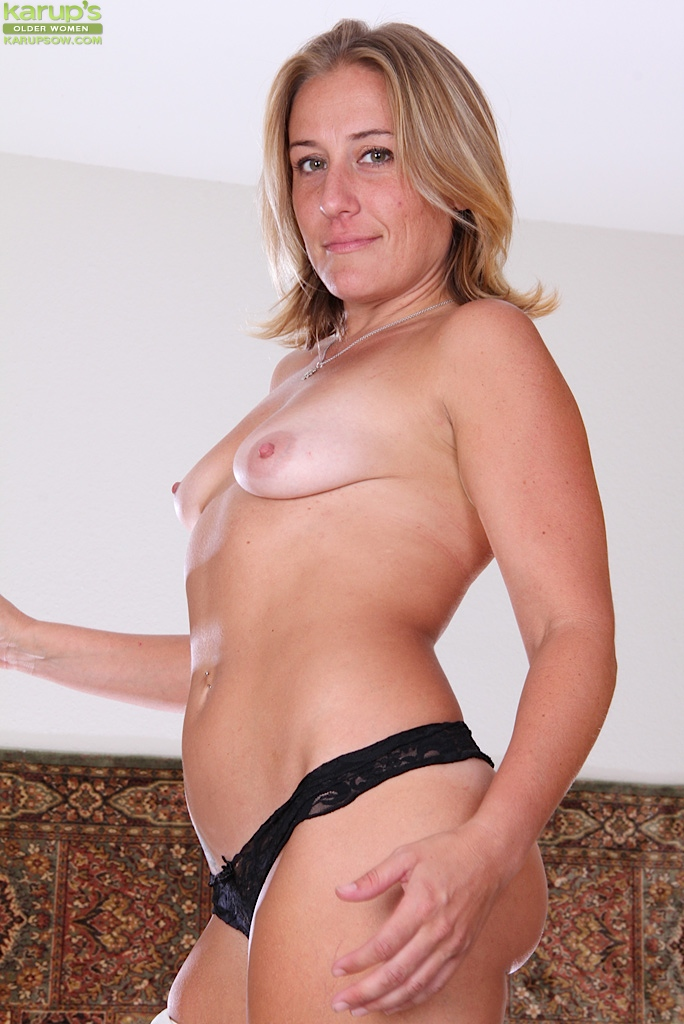 Amateur cougar over 30