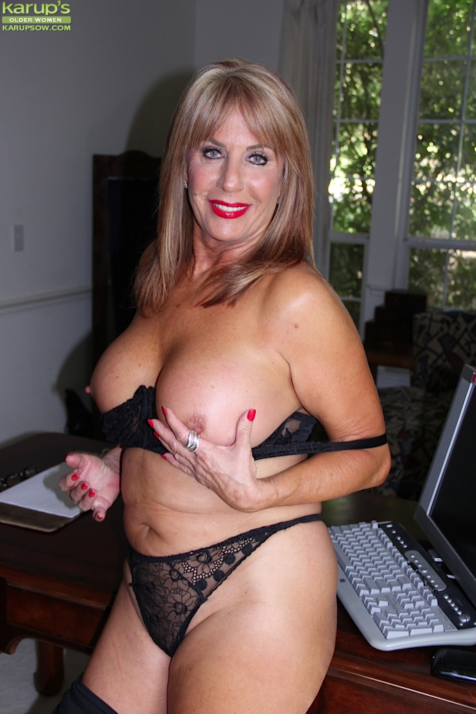 Hot milf fuck big cocks