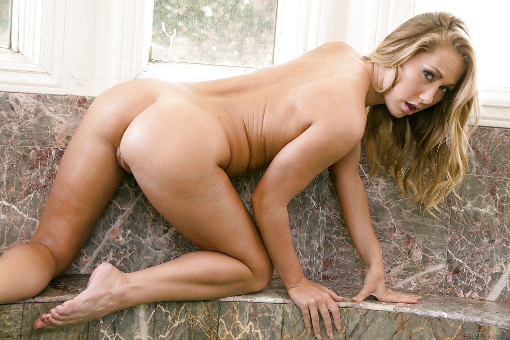 carter cruise nude