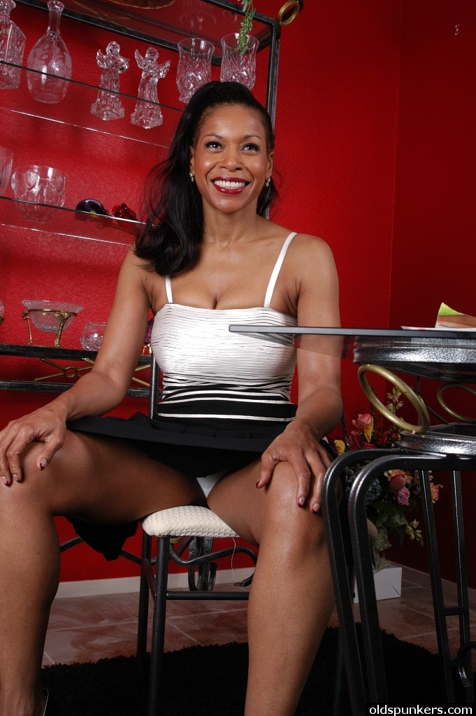 Hot Mature Ebony Porn