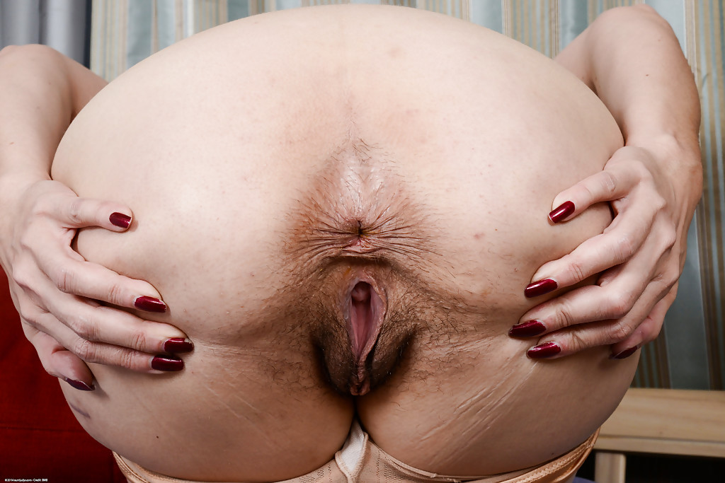 Woman Cunt With Hairy Asshole