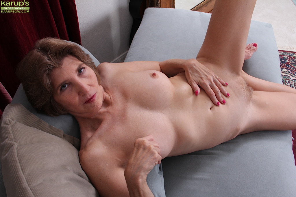 old women pussy close up