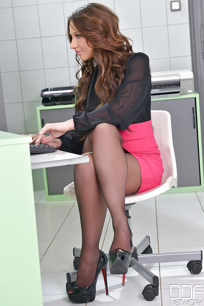Hot secrataries in pantyhose