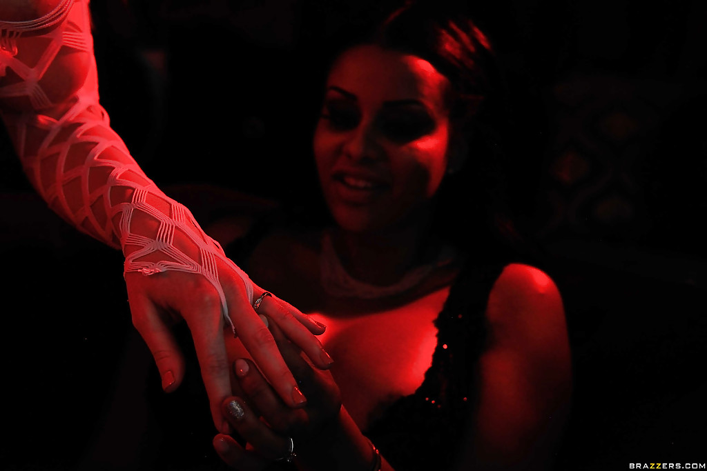 Horny strippers Christie Stevens and Mary Jean getting kinky together