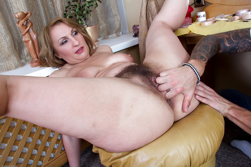 Hairy Milf Hard Sex Palmtube 1