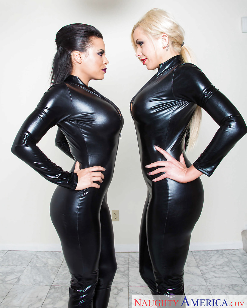 Latex lesbian galleries