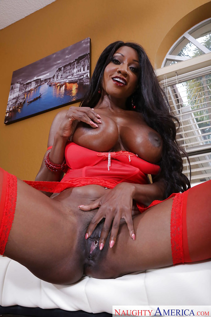 Black ebony models diamond the