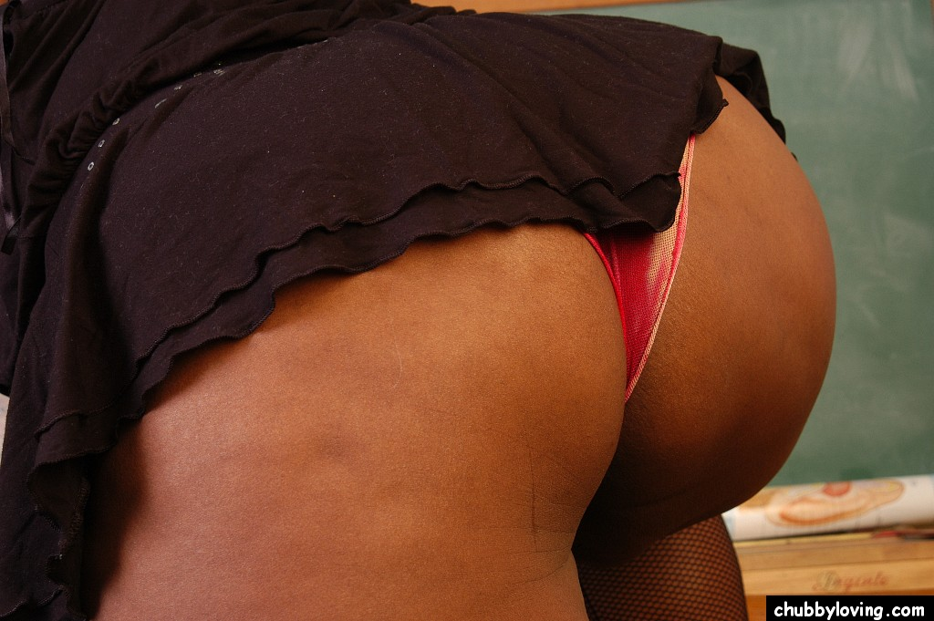 Plump ass in panties