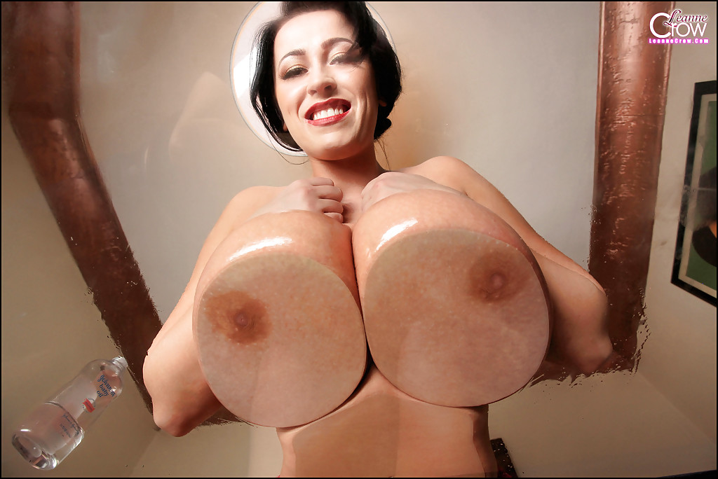 Huge tits and hips sex doll