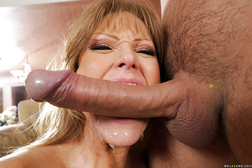 Mature wife wants big cock