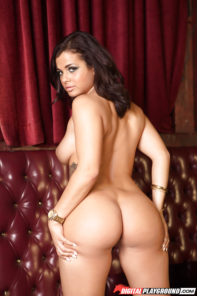 natural tit goddess keisha grey spreading her juicy wet pussy