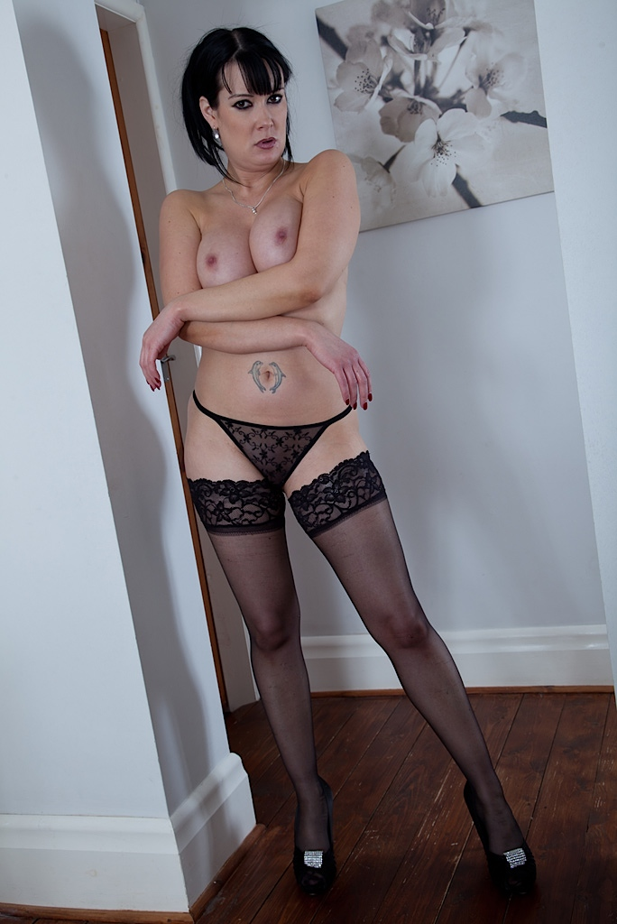 Stockings Heels Solo Hd
