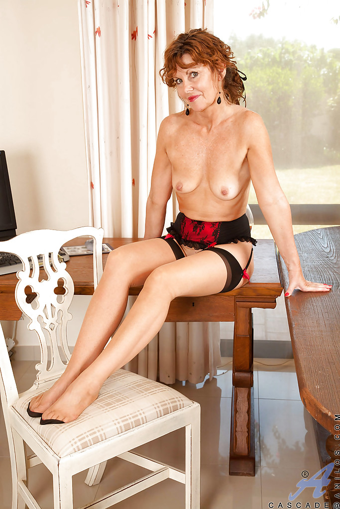 naked mature amateur secretary