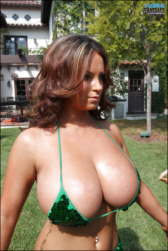 Would voluptuous big tit milf nude beach