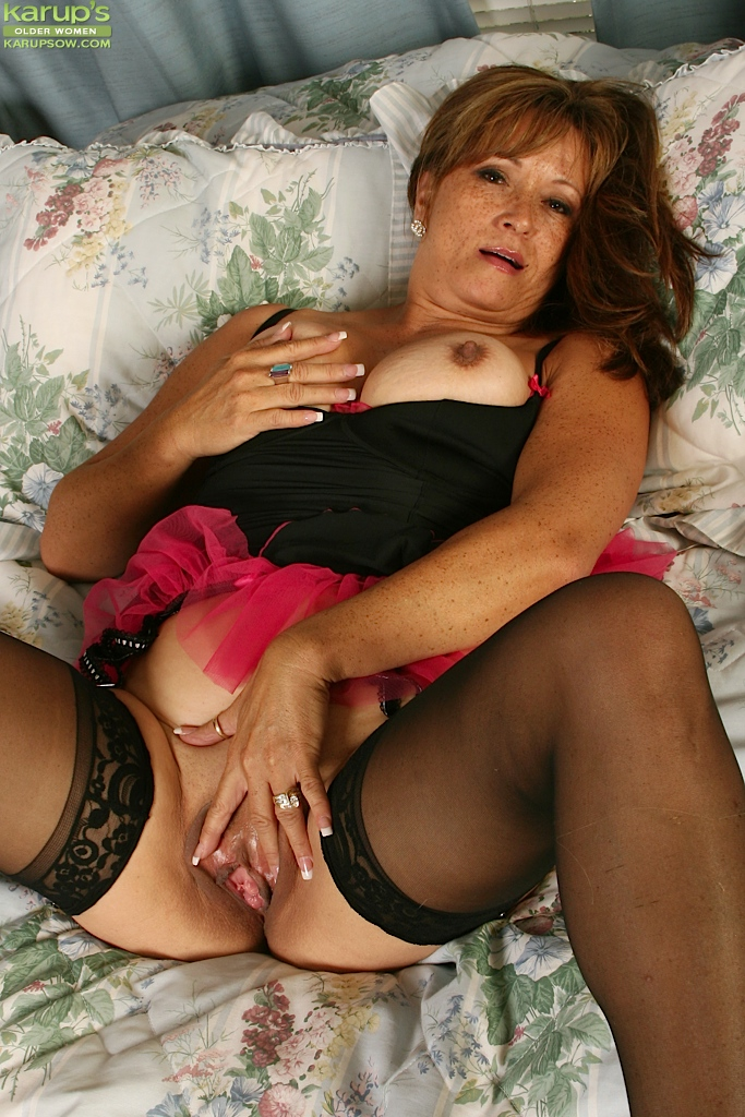 Mature women in panties videos free sex hookup