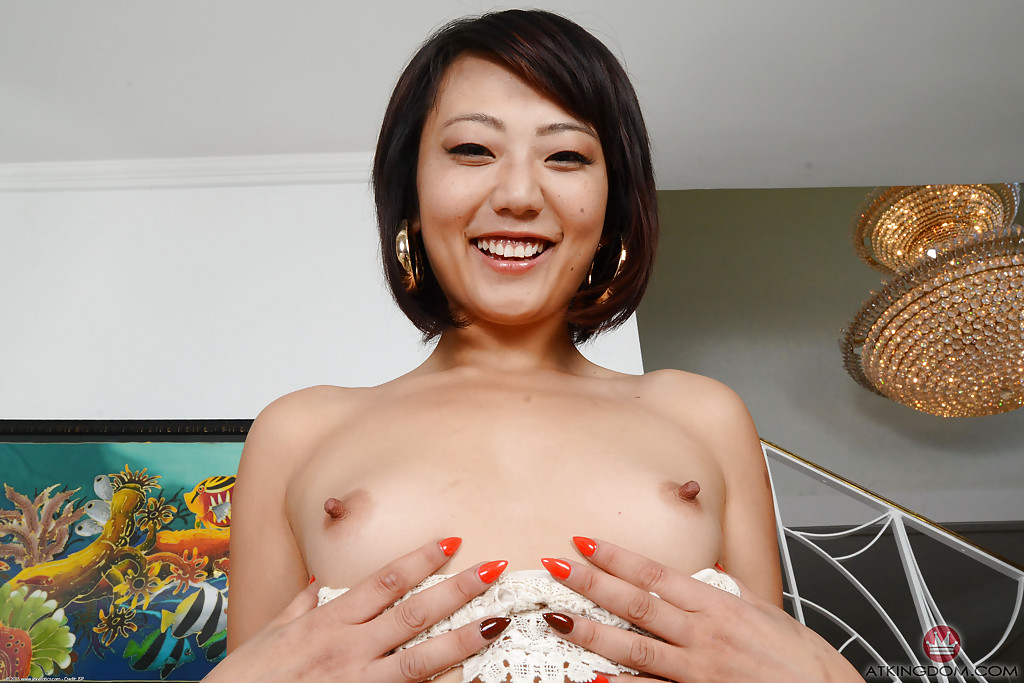 Miko dai shows off her skills