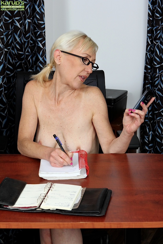 naked mature office women