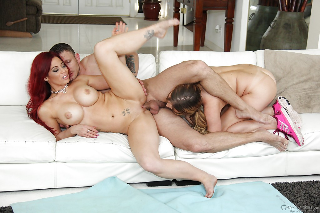 Couple looking threesome woman — pic 15