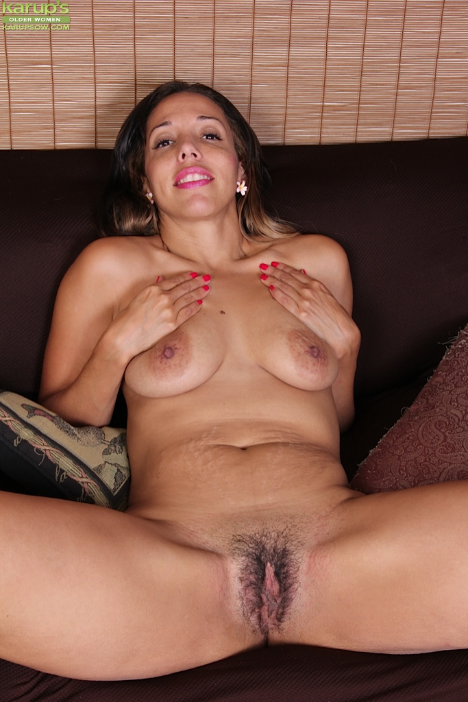 cock craving mature josephine james playing with her hairy