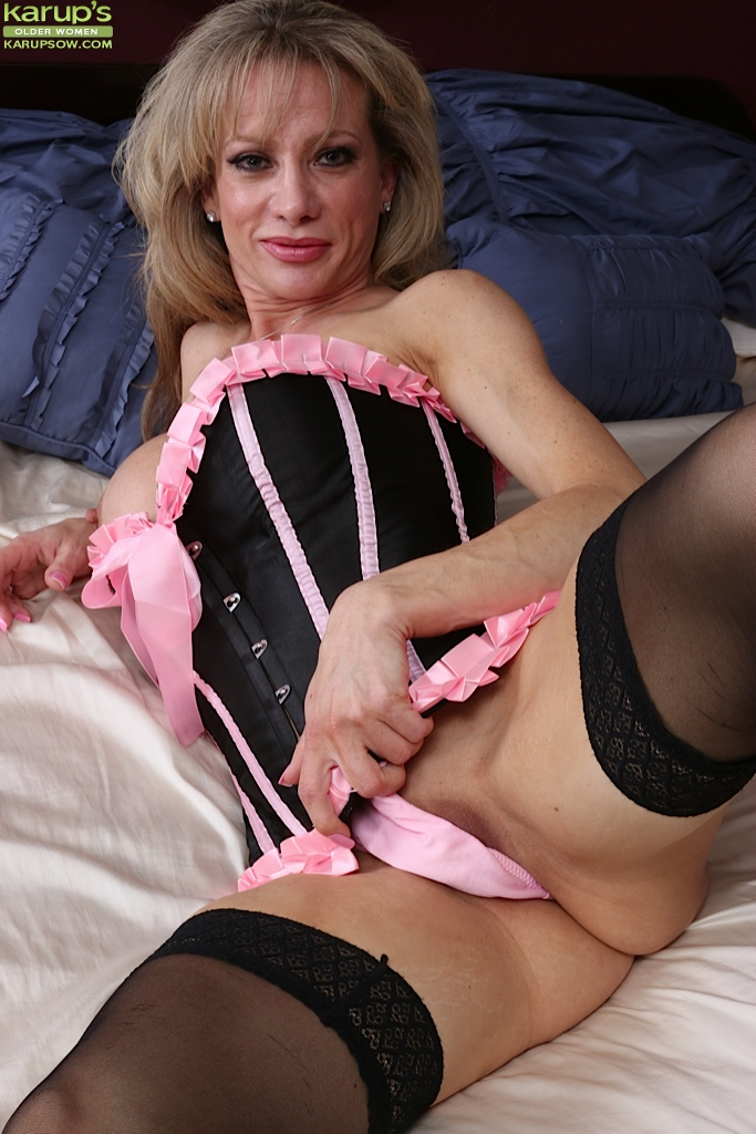 Older milf pictures
