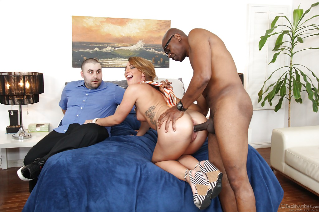 Brenda Cuckold Black Cock Husband Watches  XVIDEOSCOM
