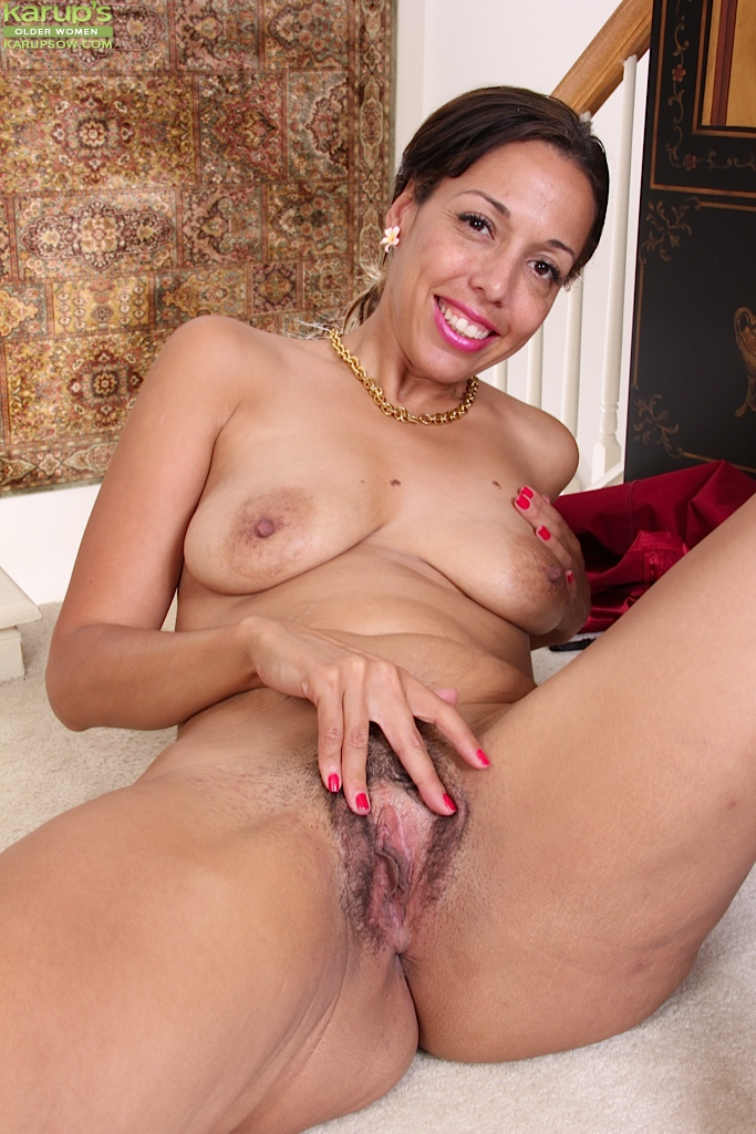 Mature hispanic women pussy commit