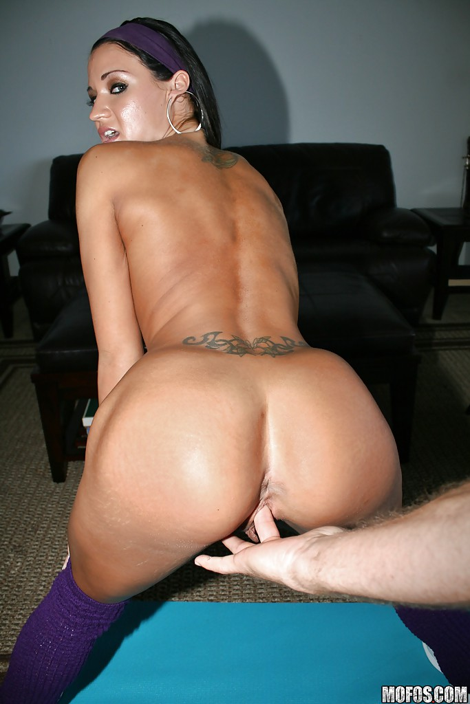 Skinny milf forced sex