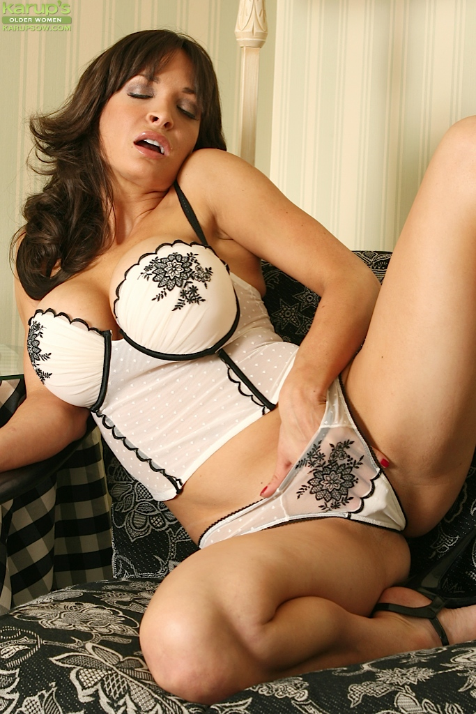 Milf latina 40 plus video galleries