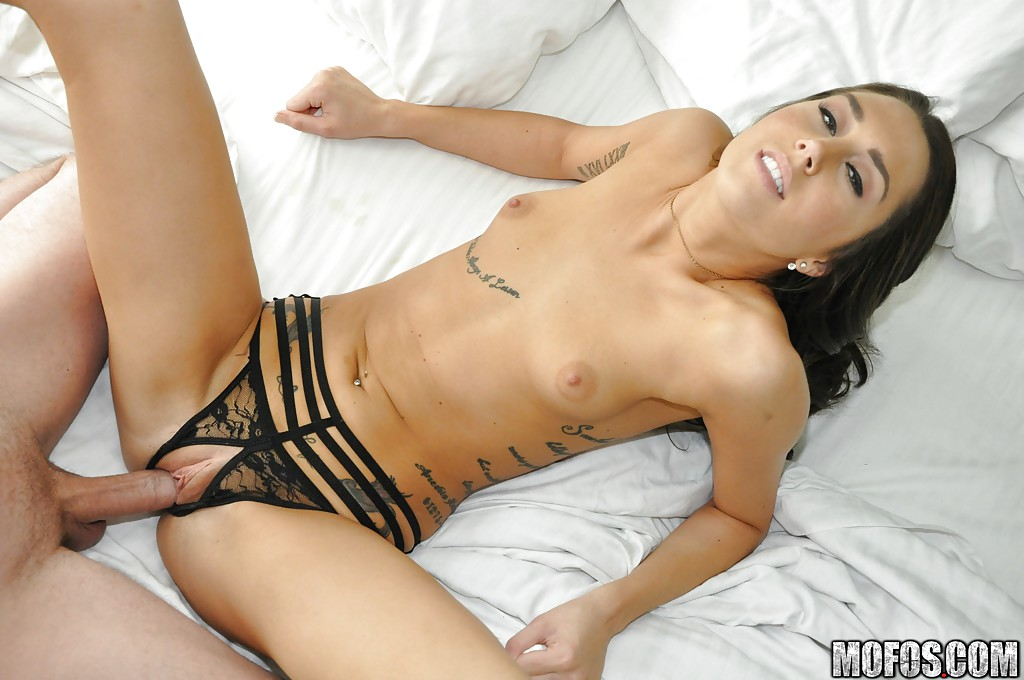 London lynn pussy ripped and creampied 4