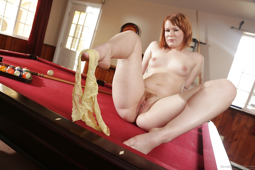 naked-redheaded-strippers