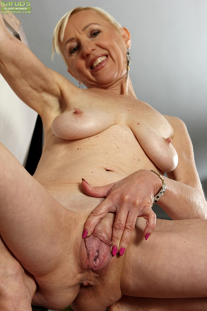 want-to-see-my-old-pussy-boobs-on-movie-old-school