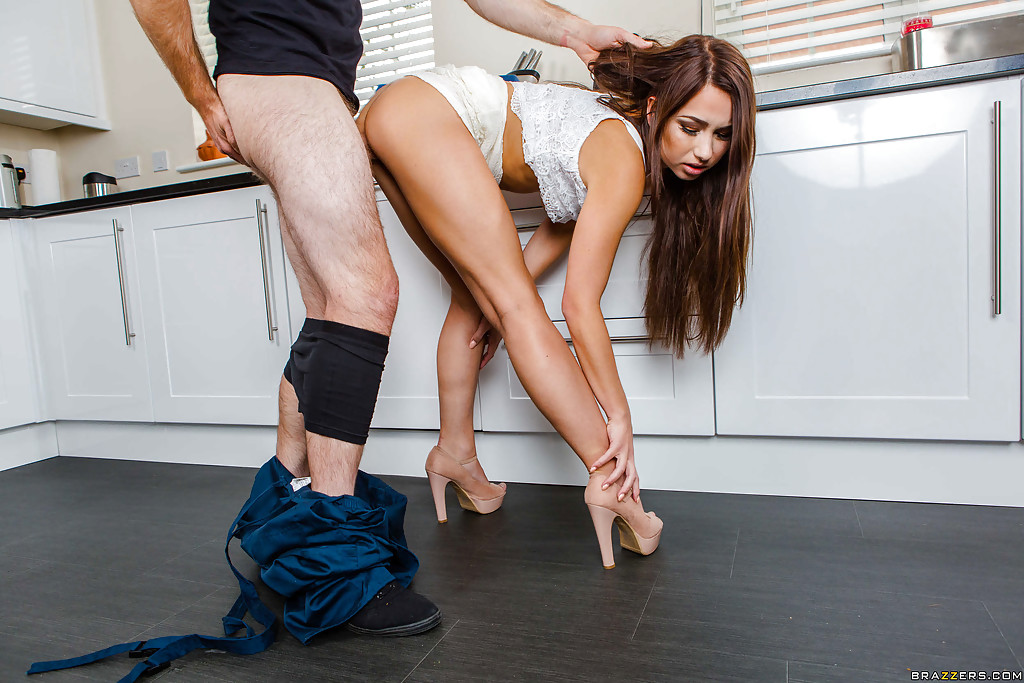 ... Pretty housewife Taylor Sands getting fucked by the repairman ...