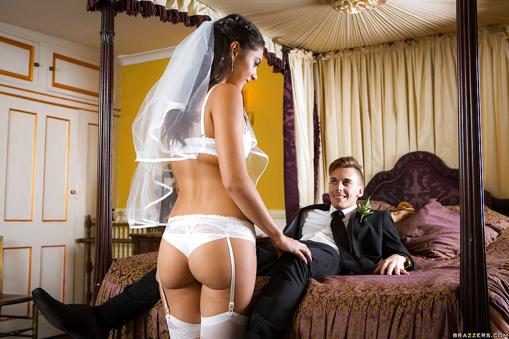 Wedding bride strip tube