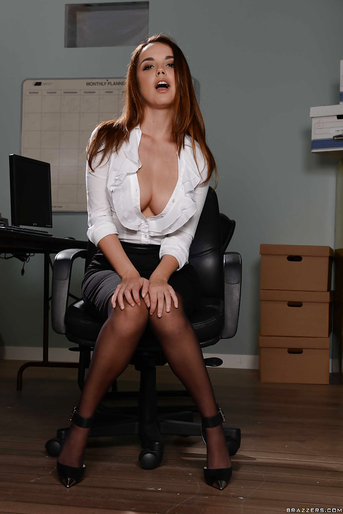 Sexy Secretary Dillion Harper Lets Large Natural Breasts -2118