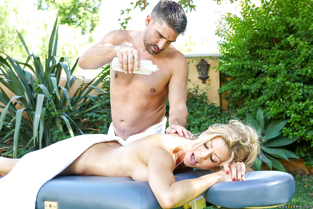 mature blonde tantric massage pics