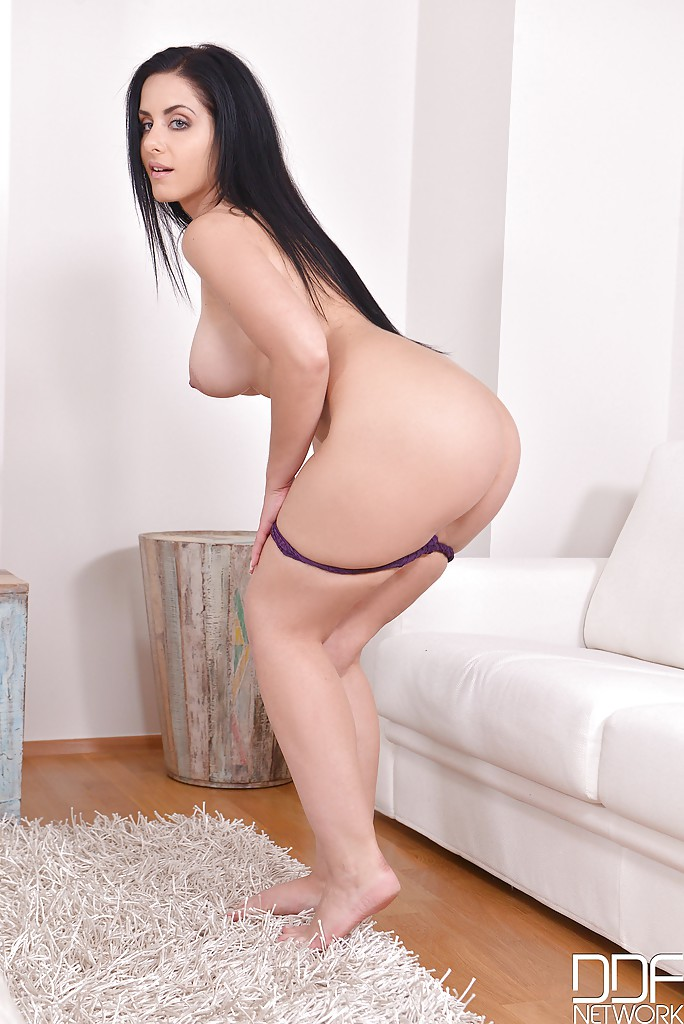 Sexy nude photos girls in tg