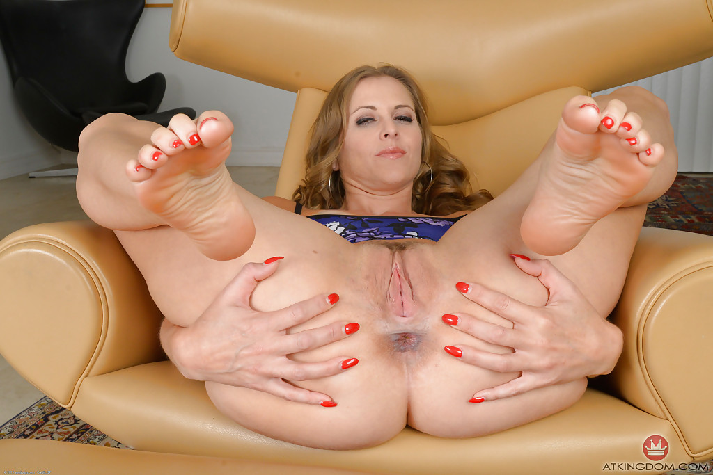 Old Mature Sluts Feet Jobs