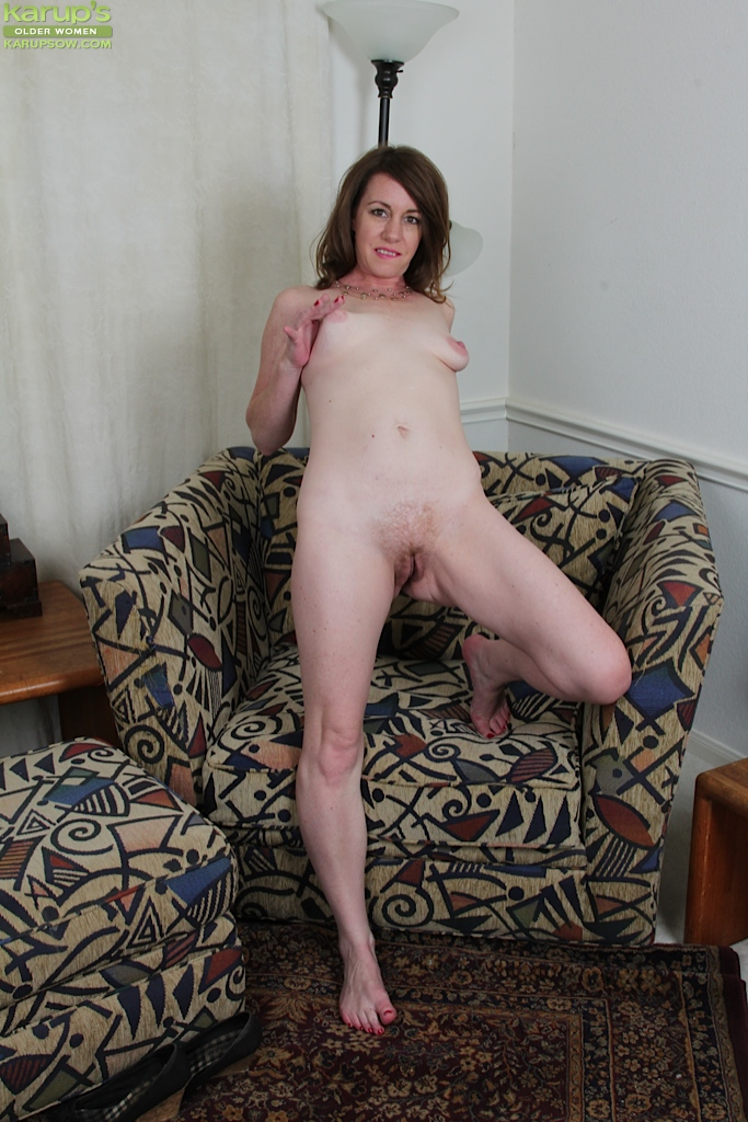 Amateur big clit mature outdoor amp indoor play - 2 part 3