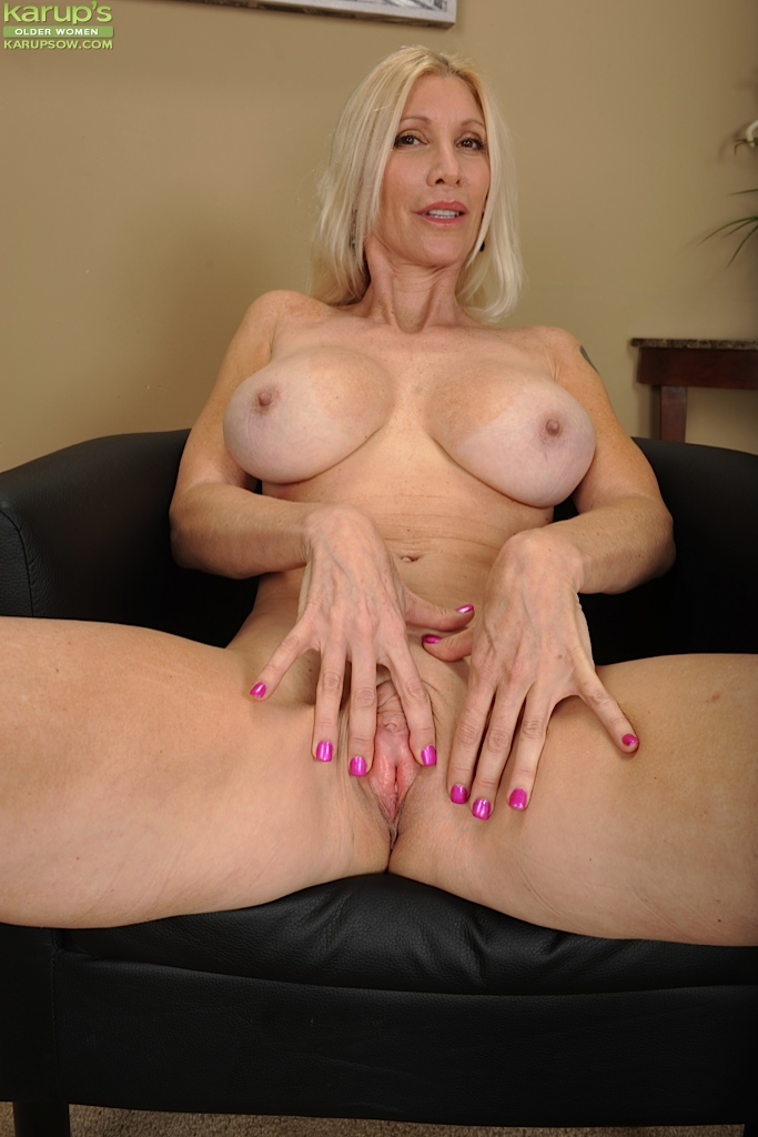 Large breasted mature escorts