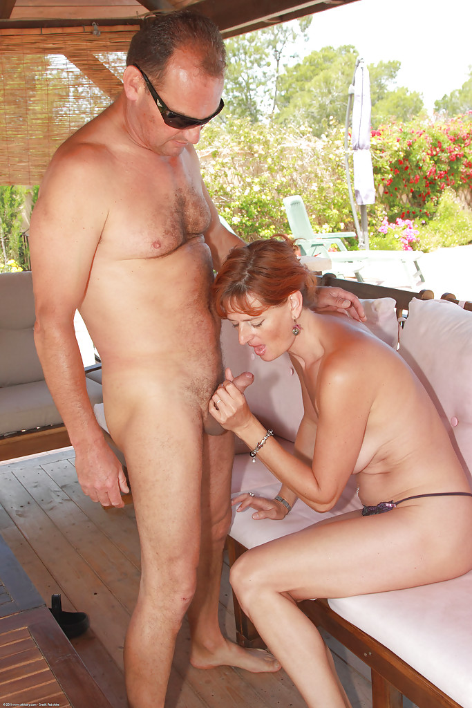 image Mature redhead liddy gets finger fucked by photographer