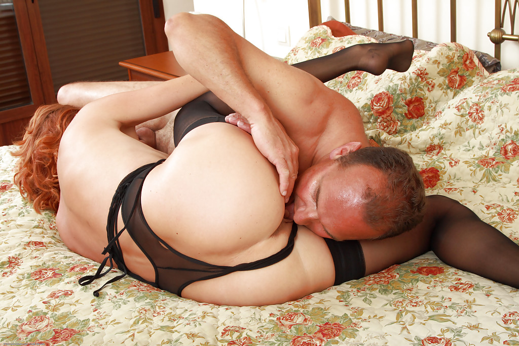 Older milf getting fucked by black