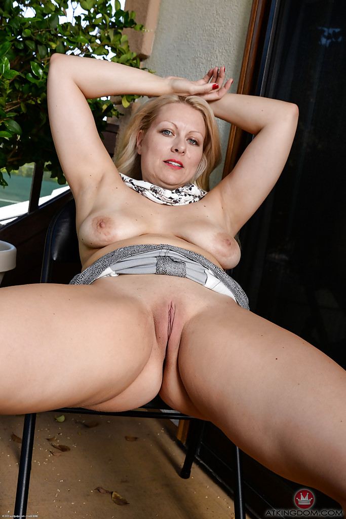 Hot female player pussy