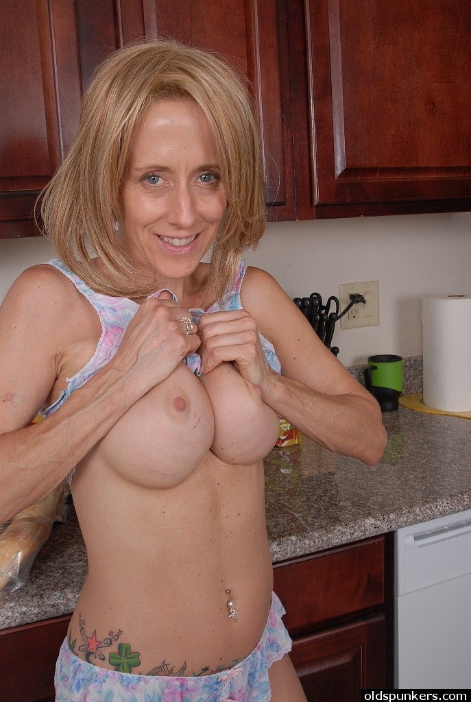Over 40 milf pictures