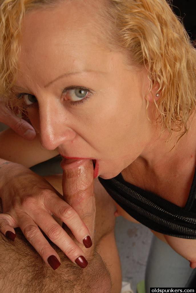 Heidi Mature Facial Porn - ... Older blonde lady Heidi giving blowjob and taking cum facial in kitchen  ...