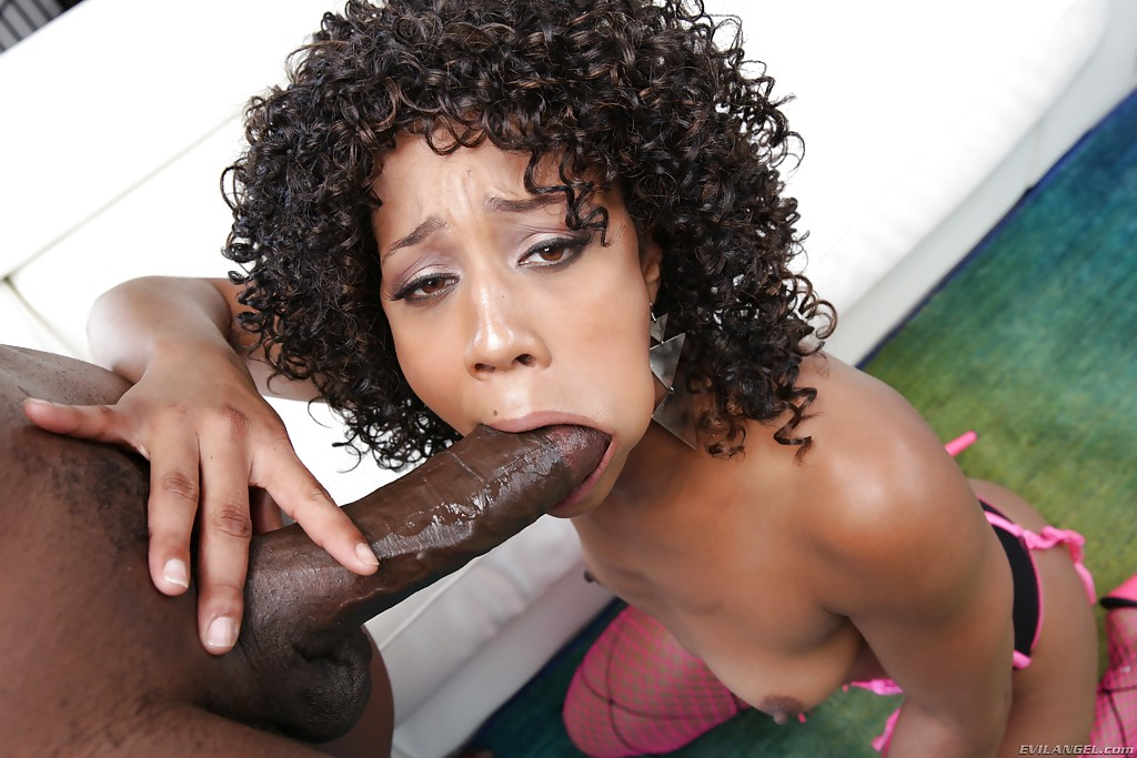 Ebony Blowjob While Phone