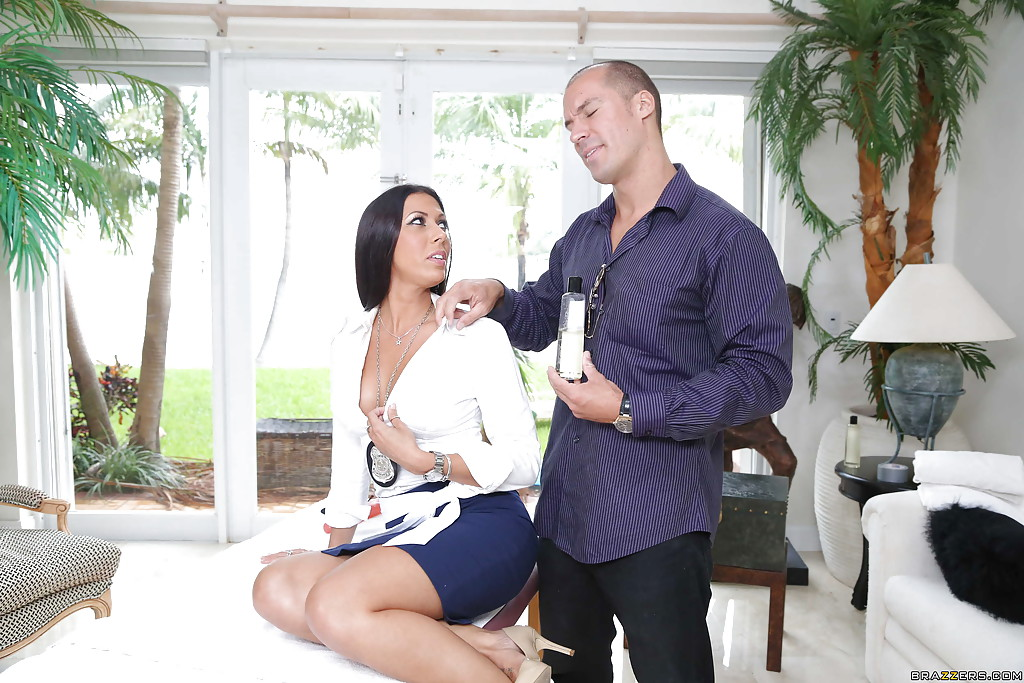 oily-massage-and-squirt-with-rachel-starr