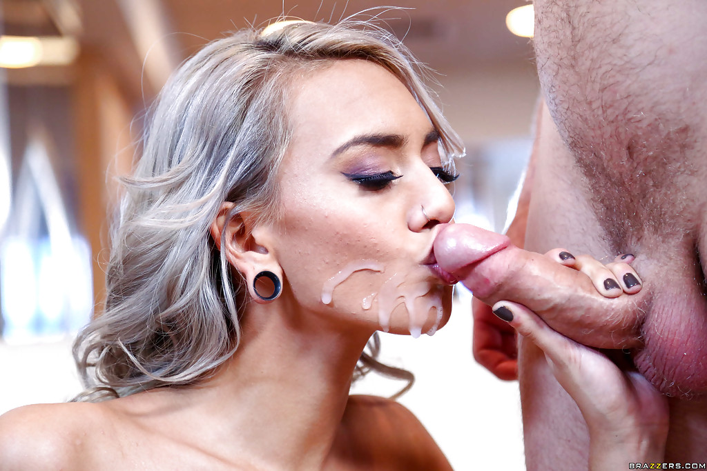 Turn Icky face after cum in mouth hot and