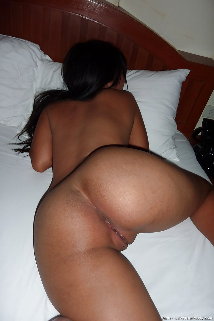 Girls nice naked ass