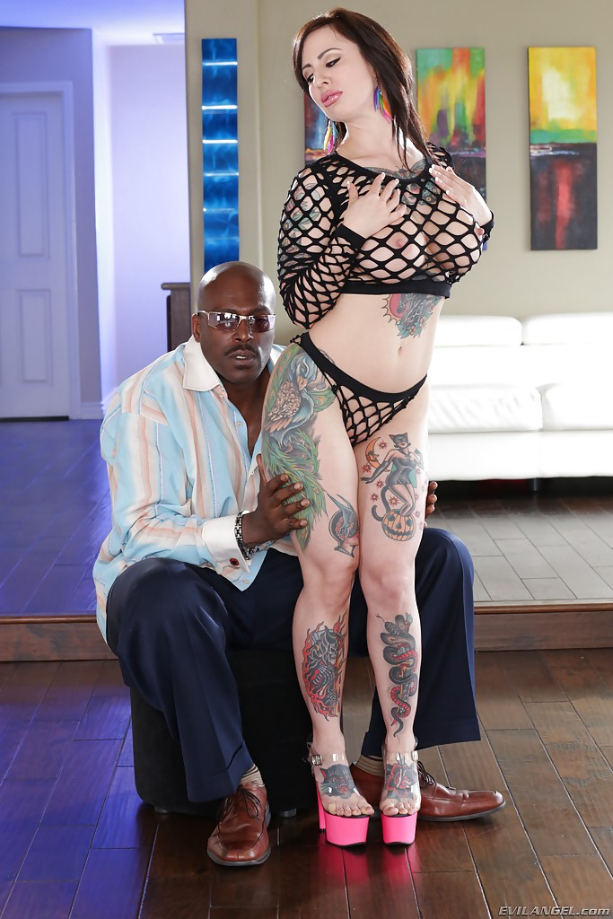 White wife fuck toy for bbc